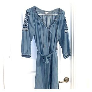 Gap Women's Small embroidered chambray dress